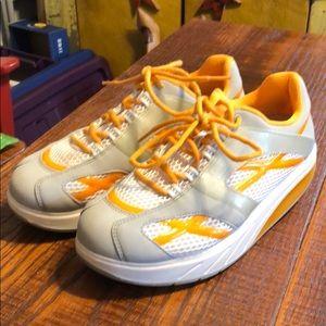 MBT Women's Sneakers, size 9, EUC